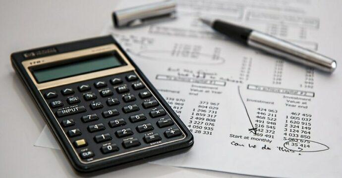 Rekenmachine als beeld voor financiële indicatoren