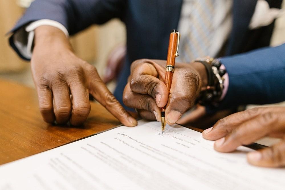 succesvol onderhandelen beloond aan de hand van een contract